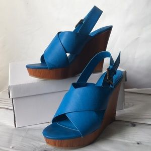 Fun festival Cato blue wedges size 7